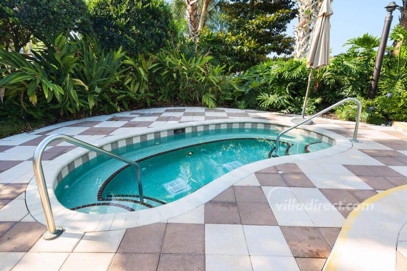The second spa pool at Encantada