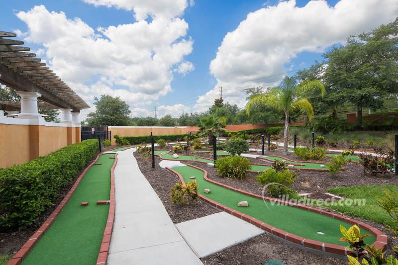 Putting green at Solana resort