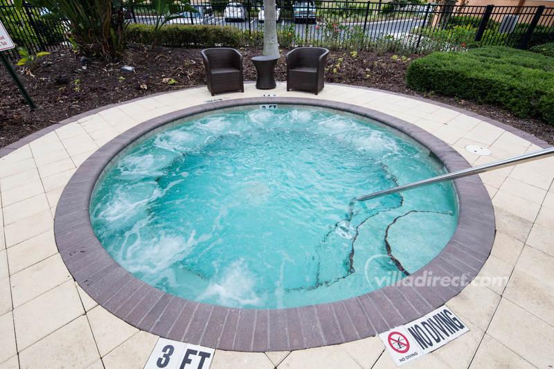 THe spa pool at Solana Resort