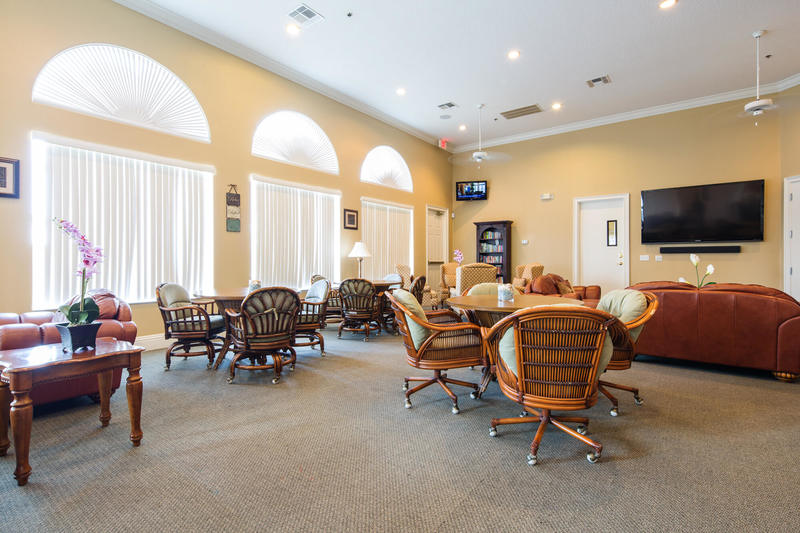 Clubhouse guest lounge