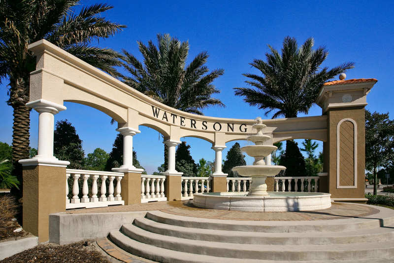 The entrance colonnade at Watersong