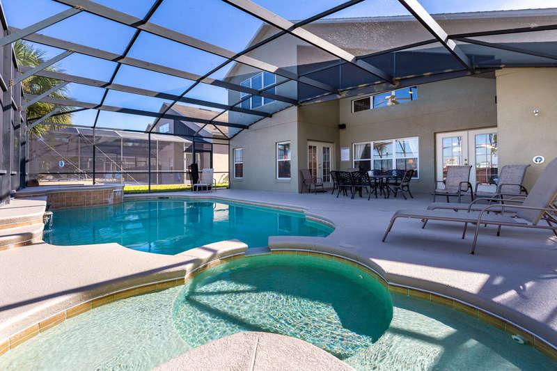 Mickey Spa Pool