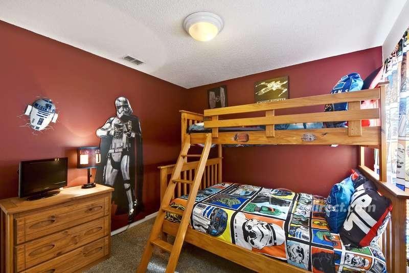 Children's themed bunk room